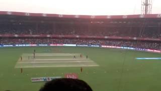 Rcb v mi match magic on Bangalore Samuels badhri hartick wickets