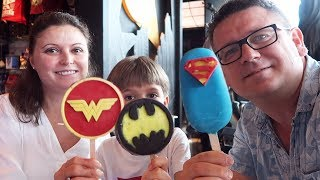 Family in DC Comics Super Heroes Cafe Review