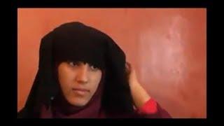 حنان زوجة الفيزازي تكشف عن وجهها وتنزع النقاب وتقول أنه يقوم بتصويرها عارية