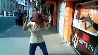 فلبينية ترقص على الممشي السياحي ببورسعيد || Filipina batang babae sayawan sa himig ng Egyptian
