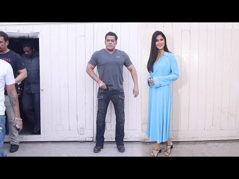 Xxx Mp4 Salman Khan IGN0RES Katrina Kaif While Posing For Photos During Bharat Promotions 3gp Sex