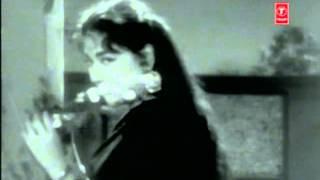 Lata Mangeshkar sings 'Tu Humko Dekh Aur Hamari Nazar..' in 'Zindagi Aur Hum'