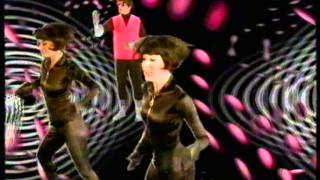 Pet Shop Boys - I Wouldn't Normally Do This Kind Of Thing [Children In Need 3-D]