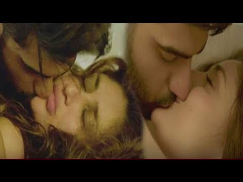 Xxx Mp4 Kareena Kapoor HOT Bed Scene And KISS With Arjun Kapoor 3gp Sex