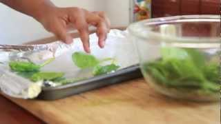 Italian Herb Baked Spinach Chips Recipe - Healthy Snack Idea!
