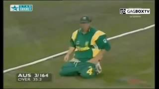 Top Wrost funny moments In Live Cricket   New Best Funny Woman bloopers