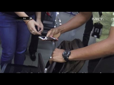 Pria Ini Curi Handphone Melalui Mesin X Ray Bandara - 86