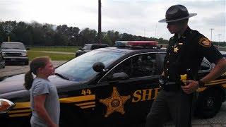 Police Buys Lemonade At Girl