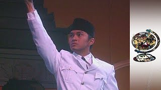 Indonesia in Turmoil as Presidency Changes Hands (2001)