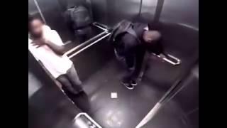 Hombre el ascensor vídeo chistoso
