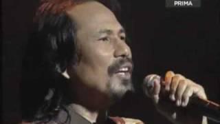 Mentera Semerah Padi - M.Nasir (live at Istana Budaya: Konsert Alam Muzik)