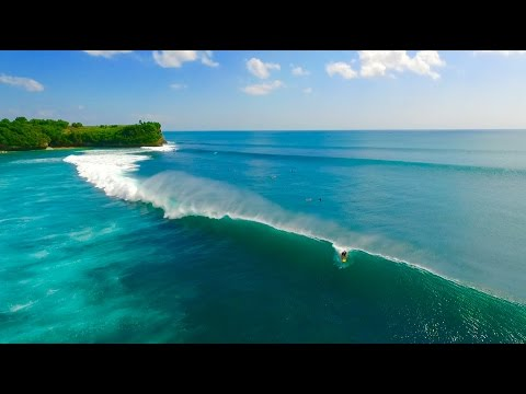 DJI Phantom 3 professional: Aerial footage of some waves at Balangan Beach, Bali