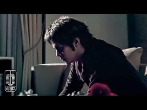 D'MASIV - Cinta Ini Membunuhku (Official Video)