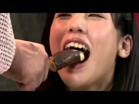 [SO SEXY] Japanese Game Show - Sexy Banana Eating Contest
