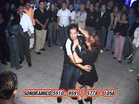 LA NIÑA DESCARADA lo mejor de youtube en bailes callejeros en la ciudad de mexico.