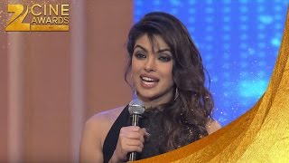 Zee Cine Awards 2013 Best Actor Female Popular Priyanka Chopra For Barfi