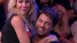 Nicolette geeft een lapdance - VAN JE VRIENDEN MOET JE HET HEBBEN