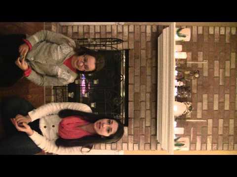 Monica e Elisa cantando para Voito, Vovo e Tia nane