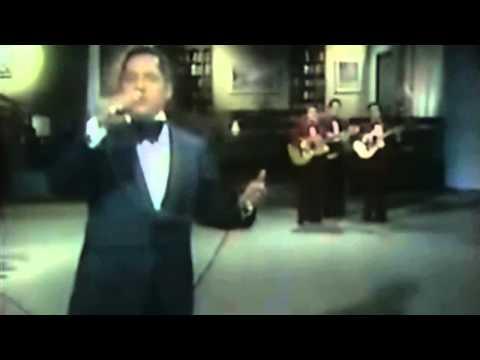 Julio Jaramillo video cantando en vivo.