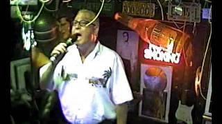Renato singt  Massachusetts  im Karaoke Fun Pub Stuttgart http://www.funpub.de