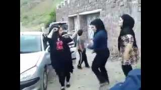 لخت شدن زن های ایرانی موقع رقص در جاده شمال