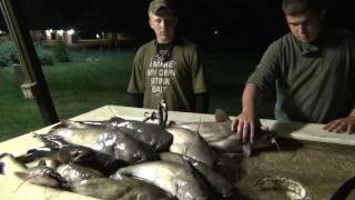 RedNeckBrothers, JugFishing For Big Blue CatFish 2/2
