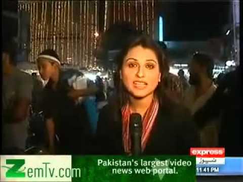 طارق روڈ کراچی پر لڑکی نے لڑکے کی بحت بری طرحاں پٹائی لگا دی