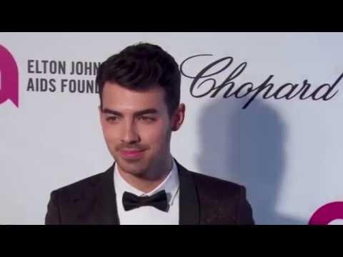 Joe Jonas Reveals Details About Past Sex Life With Ashley Greene!