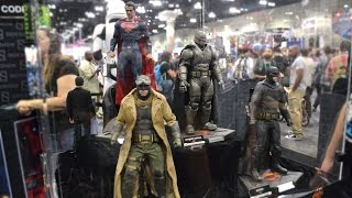 """WONDERCON 2016 12"""" 1/6 BATMAN vs SUPERMAN HOT TOYS FIGURES at the Sideshow Collectibles Booth"""