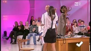 Caterina Balivo coscie - Detto Fatto 18/10/2013