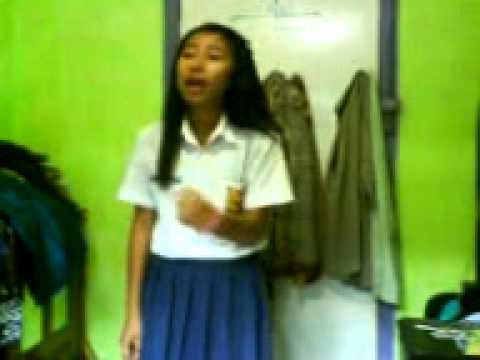 Siswi SMP beraksi di kamar