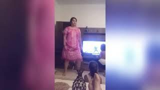 رقص منزلي من بنت مغربية زي العسل- ملابس منزلية - رقص كيك