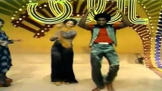 Soul Train Dancers Papa was a rolling stone RMX