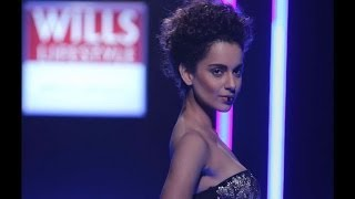 Kangana's oops moment on ramp - IANS India Videos
