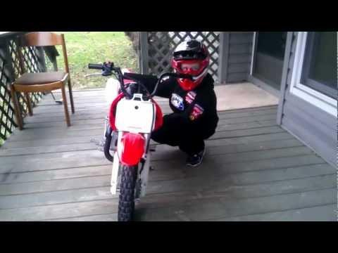 7 year old boy start Honda CRF 50 trail bike on 1st day !