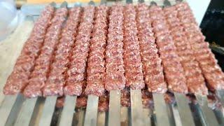 آموزش كباب كوبيده همراه با فوت و فنهاي آشپزي همراه با  جوادجواديhow to make Adana kabab Iranian