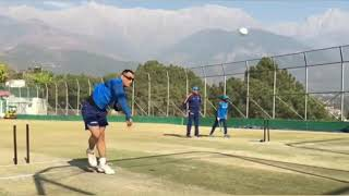 Ms Dhoni bowling to axar Patel at dharamsala