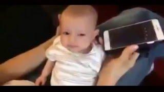 شاهد ماذا حدث لهذا الرضيع الأجنبي عند سماعه آيات من القرآن الكريم سبحان الله