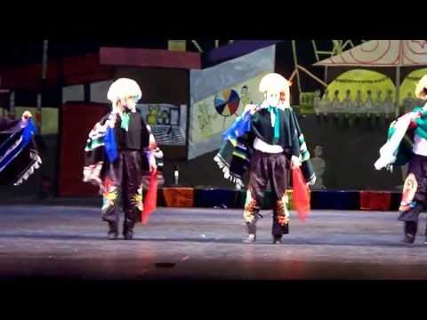 LOS PARACHICOS Baile de Chiapas