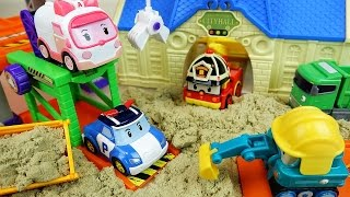 Robocar Poli car toys and city hall sand play