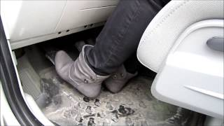 Pedalpumping Chrysler PT Cruiser with Boots HD