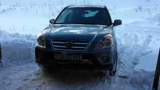 Honda CR-V 2006 in snow