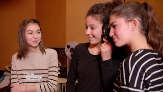 Disney Channel : Happy Moments - Manelle rencontre Carla pendant l'enregistrement de son album