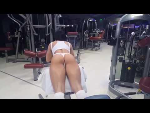 Inna Innaki in the gym