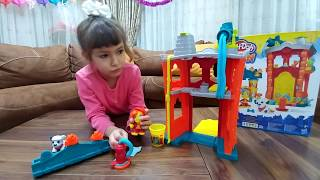 PLAY DOH TOWN OYUN HAMURU İTFAİYECİ KURTARMA SETİ. Eğlenceli çocuk videosu, toys unboxing