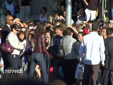 Xxx Mp4 Katie Holmes Kissing Tom Cruise At War Of The Worlds Premiere 3gp Sex