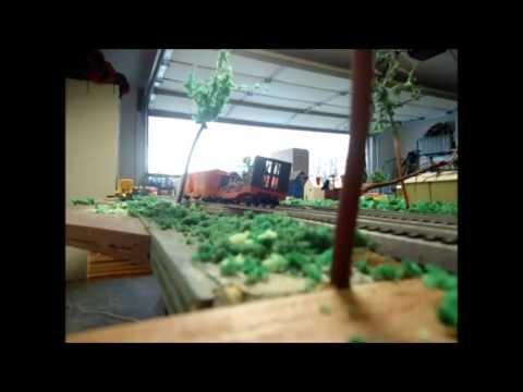 HO Scale train crashes