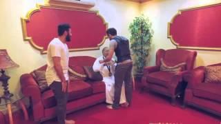 """بطل العالم في الكاراتيه """"عماد المالكي"""" يقلد والده ذهبية البطولة"""