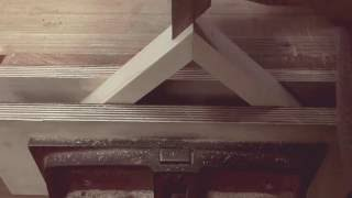 Making a dovetail spline on a mitre join - woodworking