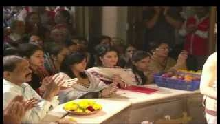 Sunny Leone and Ekta Kapoor visit Siddhivinayak Temple